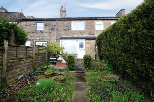 2 Bedrooms Terraced House for sale in Thorn Tree Street, Halifax, West Yorkshire, HX1 3PH