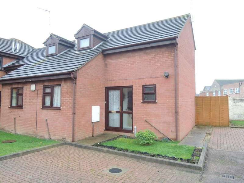 2 Bedrooms Semi Detached House for sale in Empire Court, Warwick Road, Clacton-on-Sea