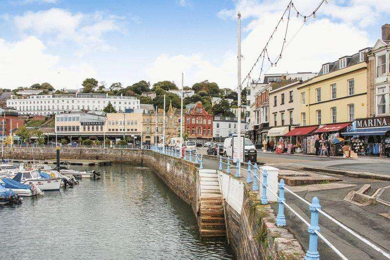 2 Bedrooms Penthouse Flat for sale in The Strand, Torquay