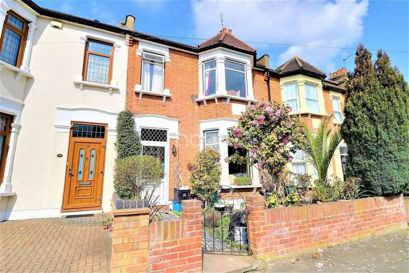 3 Bedrooms Terraced House for sale in Ladysmith Avenue, Newbury Park, Ilford, Essex