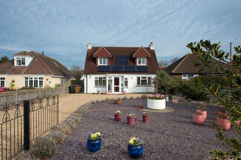 4 Bedrooms Detached House for sale in Foxborough Road, Radley, Abingdon