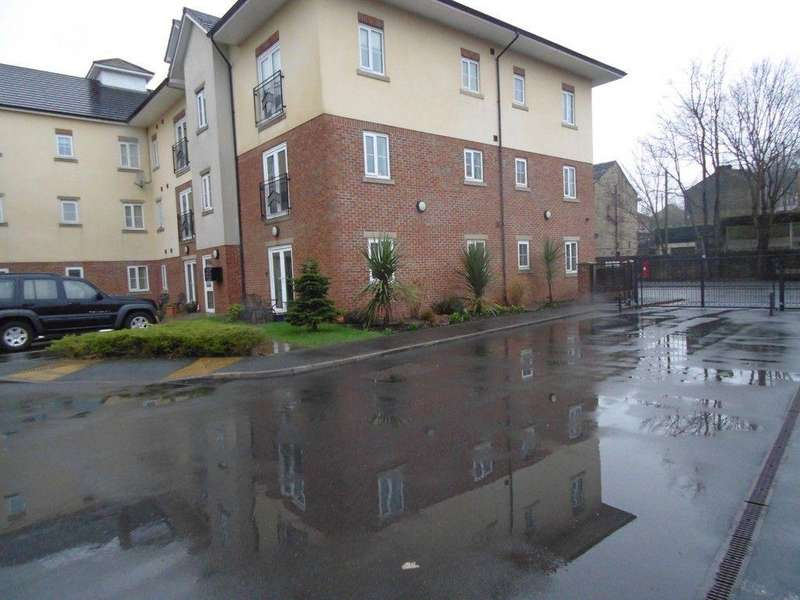 2 Bedrooms Flat for sale in Flat 29, Badgers Rake, Oldham Road, Springhead, Lancashire, OL4 5TY