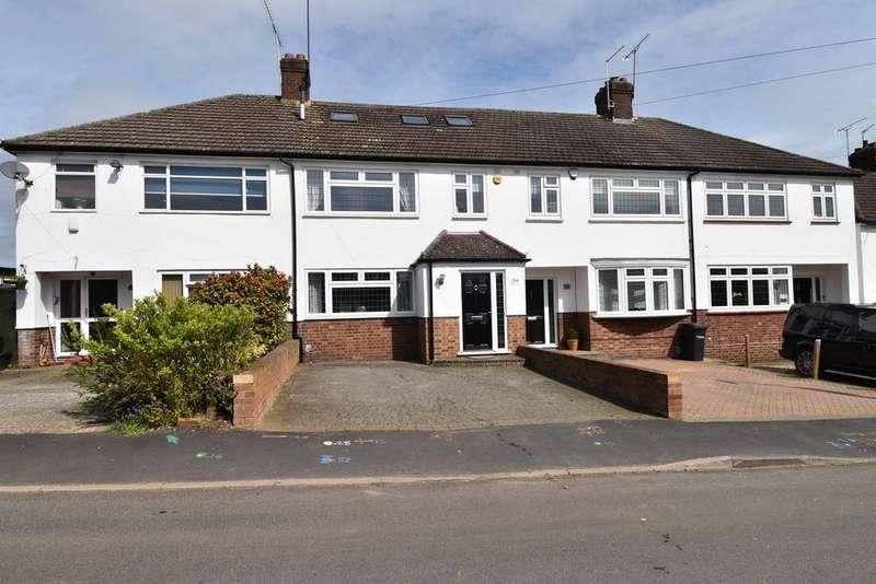 4 Bedrooms Terraced House for sale in Lord Street, Hoddesdon, Hoddesdon EN11