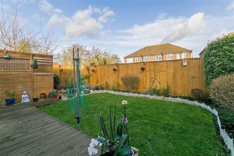 2 Bedrooms Maisonette Flat for sale in Saltash Close, Sutton, Surrey