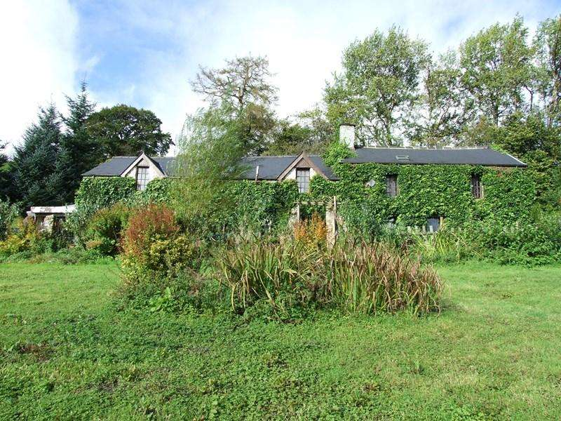 5 Bedrooms Detached House for sale in Llanwrtyd Wells, Powys, LD5 4TE.