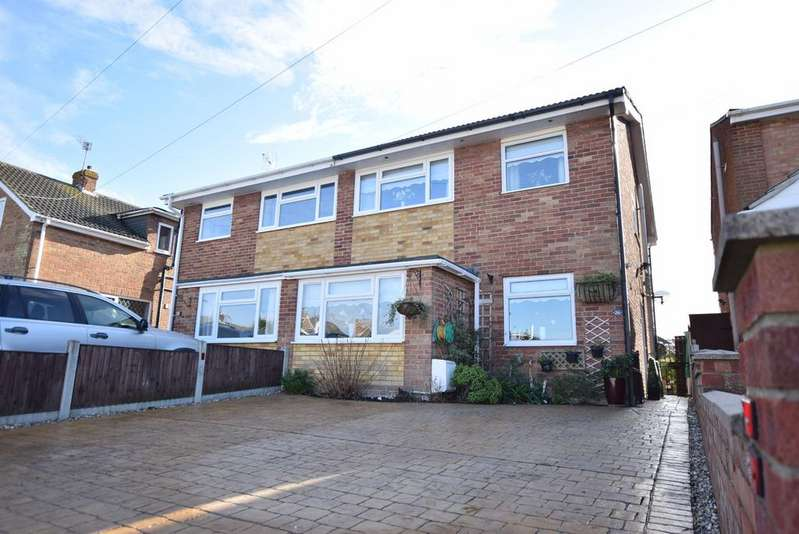 3 Bedrooms Semi Detached House for sale in Slade Road, Holland-on-Sea