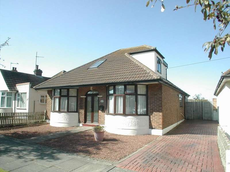 3 Bedrooms Chalet House for sale in Ingarfield Road, HOLLAND-ON-SEA