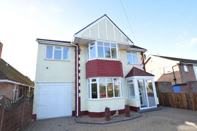 5 Bedrooms Detached House for sale in Connaught Gardens West, Clacton-on-Sea