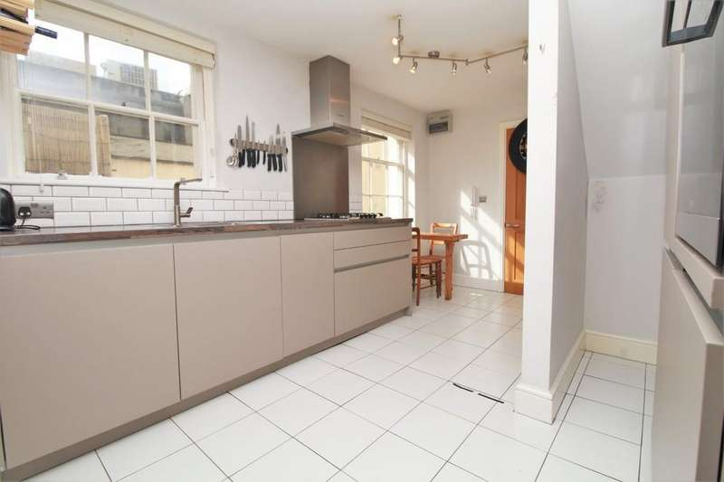 2 Bedrooms Maisonette Flat for sale in Lansdowne Place, Hove, BN3 1FG