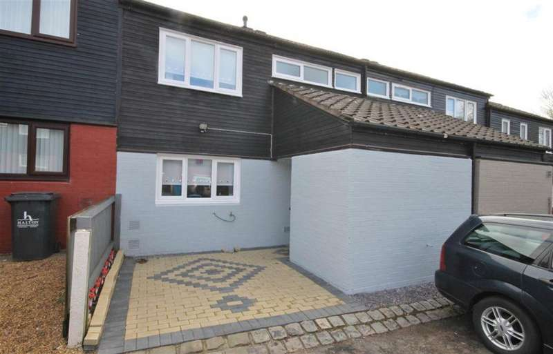 3 Bedrooms Town House for sale in Masseyfield Road, Brookvale, Runcorn, WA7 6AE