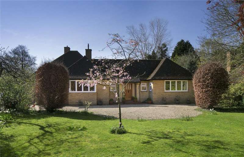 3 Bedrooms Detached Bungalow for sale in Woodstock Close, Oxford, OX2