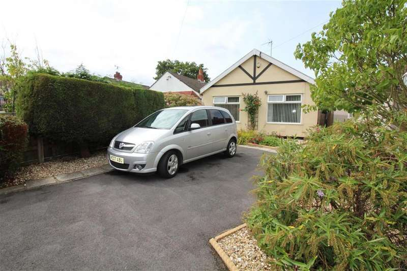 2 Bedrooms Detached Bungalow for sale in Acacia Road, Staple Hill , Bristol
