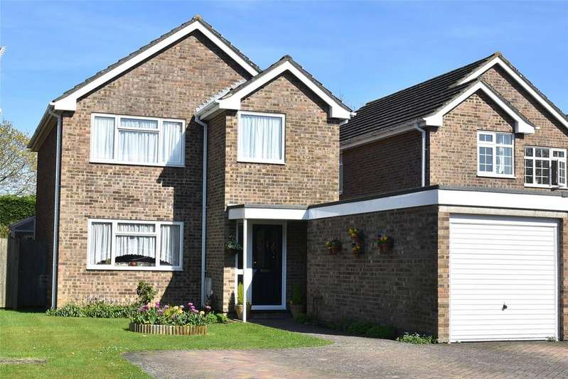 3 Bedrooms Detached House for sale in Ropley Close, Tadley, Hampshire, RG26