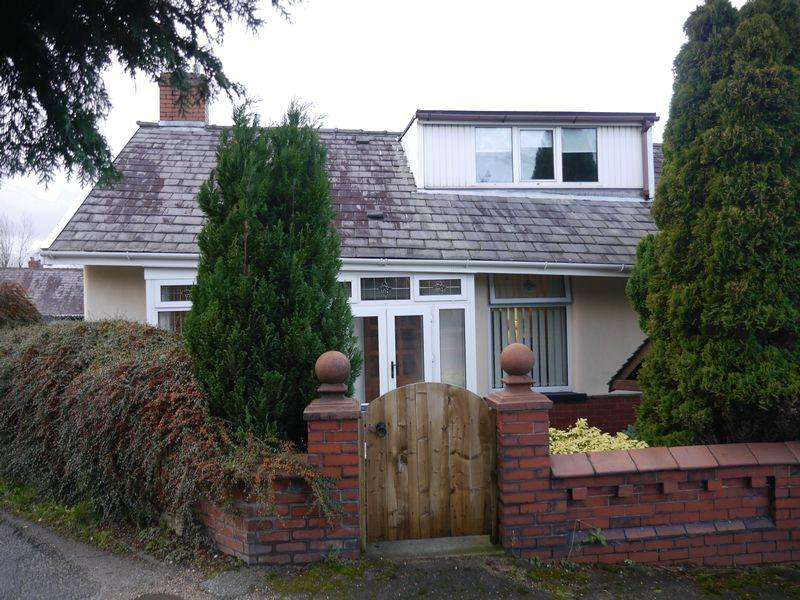 3 Bedrooms Semi Detached Bungalow for sale in Talbot Avenue, Clayton Le Moors