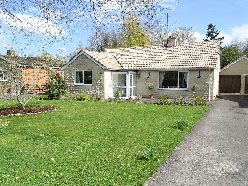 4 Bedrooms Detached Bungalow for sale in The Spa, Melksham