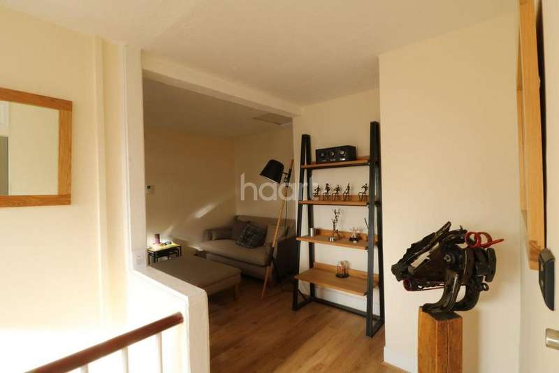 2 Bedrooms Flat for sale in 126 Reading Road South