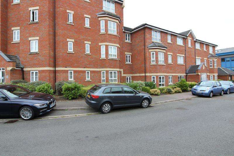 2 Bedrooms Flat for sale in Immaculate two bedroom modern flat in Dunstable