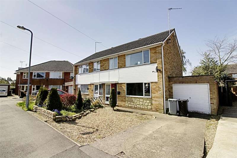 3 Bedrooms Detached House for sale in Rycroft Close, Deeping St. James