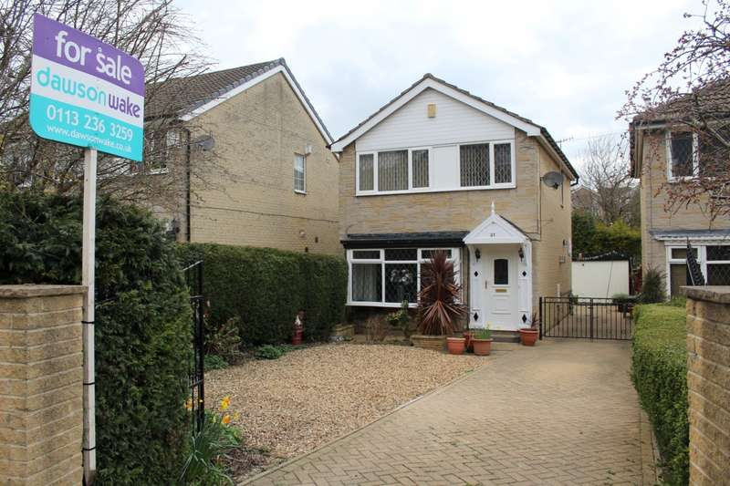 3 Bedrooms Detached House for sale in Bagley Lane, Farsley, LS28