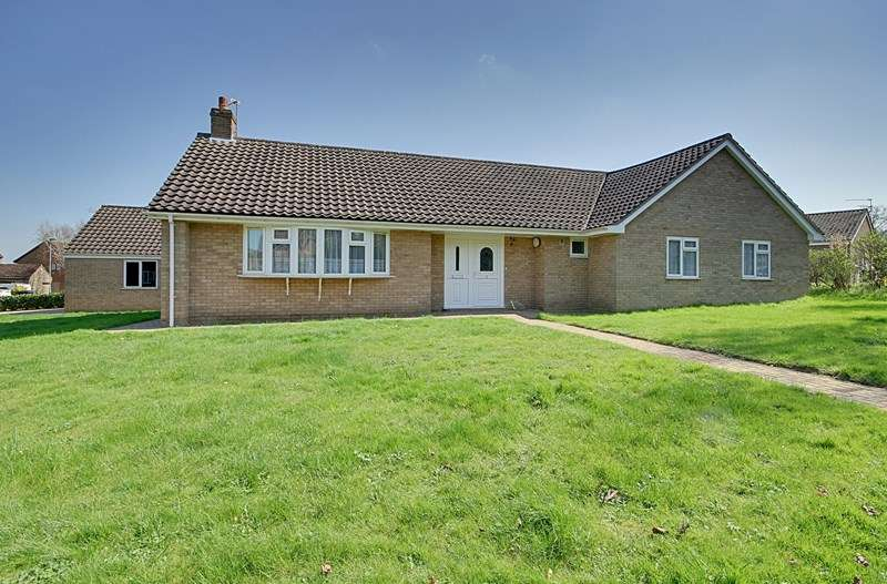4 Bedrooms Detached Bungalow for sale in Hill House Lane, Croxton, Thetford