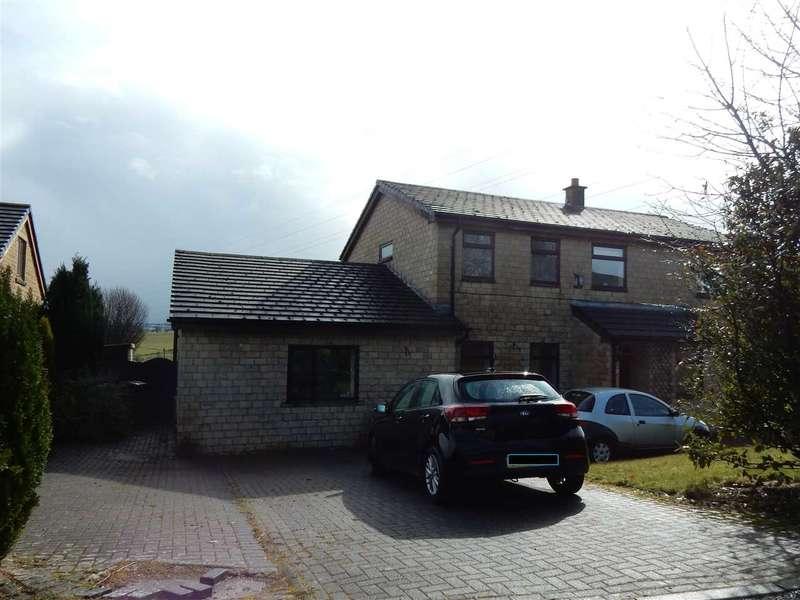 5 Bedrooms Detached House for sale in St. Margarets Gardens, Hapton, Burnley