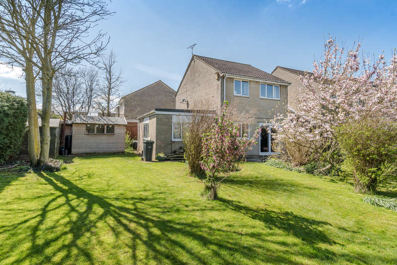4 Bedrooms Semi Detached House for sale in Manor Close, Sherston