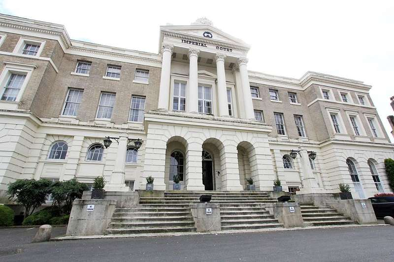 3 Bedrooms Apartment Flat for sale in Imperial Court, 225 Kennington Lane, Kennington, London, SE11 5QN