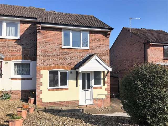 2 Bedrooms Semi Detached House for sale in Butts Close, Honiton
