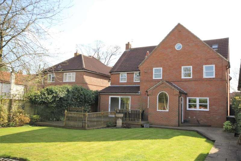 5 Bedrooms Detached House for sale in Common Road, Dunnington, York, YO19