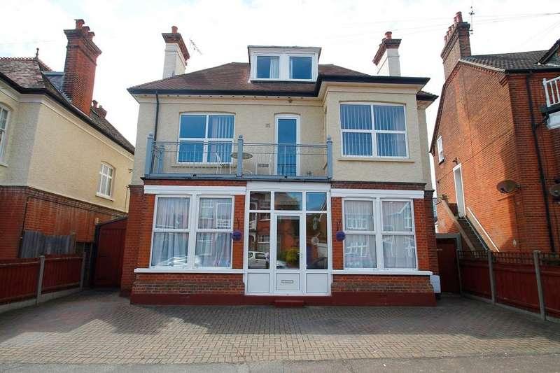 7 Bedrooms Detached House for sale in Tomline Road, Felixstowe, IP11