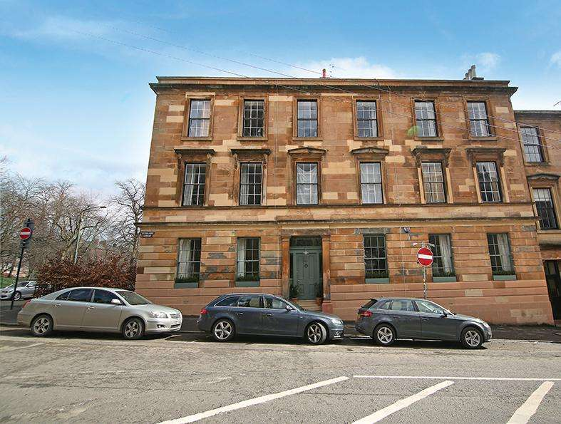 3 Bedrooms Flat for sale in 90 Hyndland Street, Partickhill, G11 5PX