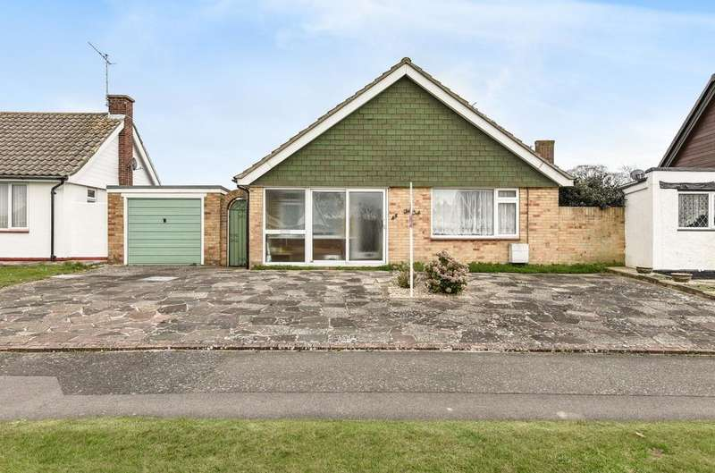 3 Bedrooms Detached House for sale in Leonora Drive, Nyetimber, Bognor Regis, PO21