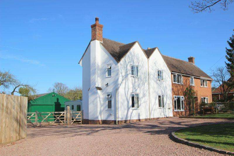 4 Bedrooms Semi Detached House for sale in Radford Road, Worcestershire