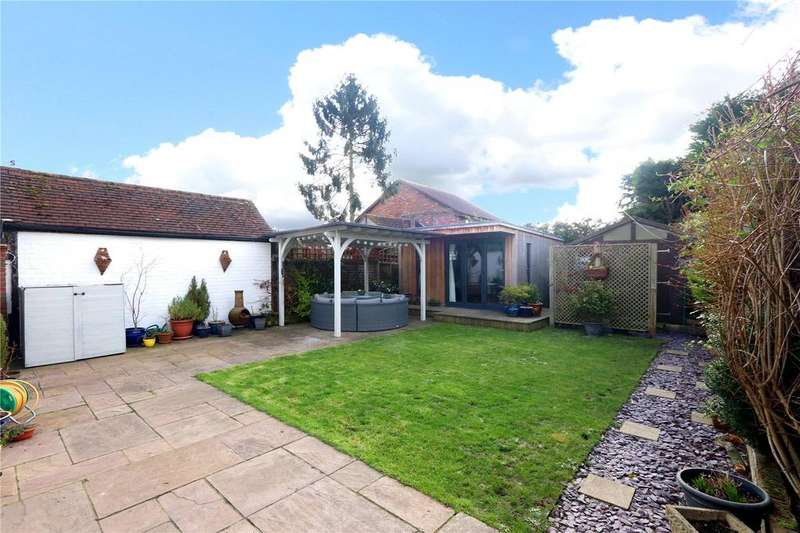4 Bedrooms House for sale in Bucknalls Lane, Garston, Watford, WD25