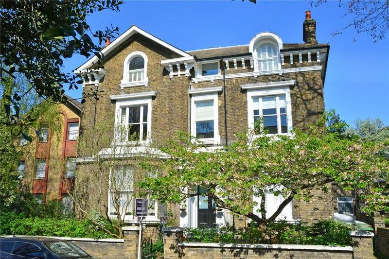 3 Bedrooms Flat for sale in Walerand Road, Lewisham, London, SE13