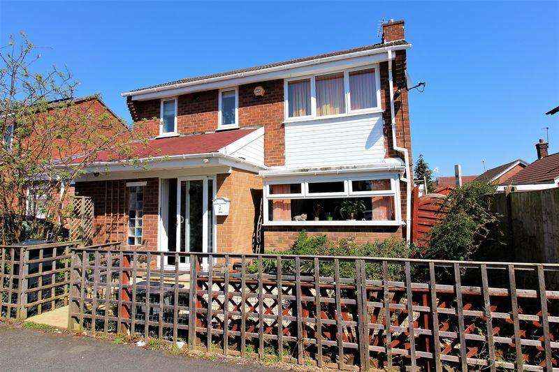 3 Bedrooms Link Detached House for sale in Naomi Close, Chester