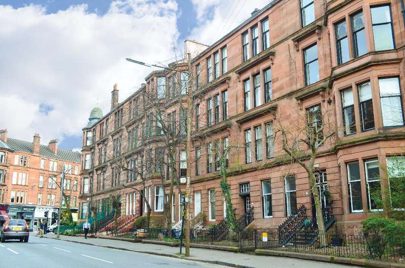 3 Bedrooms Flat for sale in Clarence Drive, Flat 2/2, Hyndland, Glasgow, G12 9QL