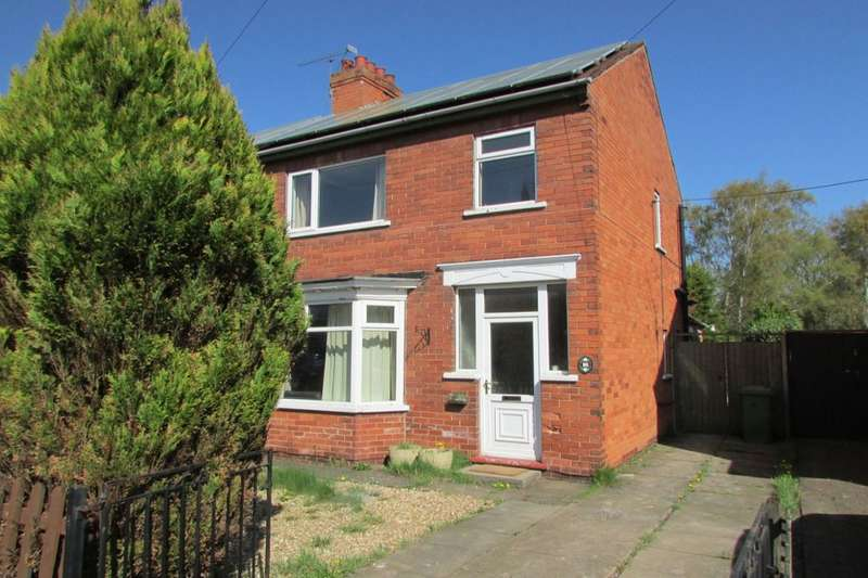 3 Bedrooms Semi Detached House for sale in Minster Road, Scunthorpe, DN15