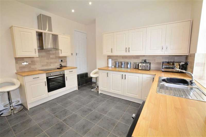3 Bedrooms Property for sale in Churchfield Lane, Castleford, WF10