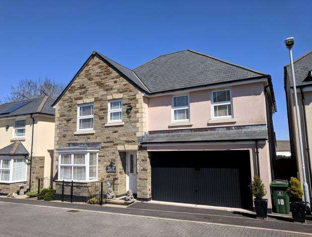 5 Bedrooms Detached House for sale in Appledore Close, Plymouth, Devon