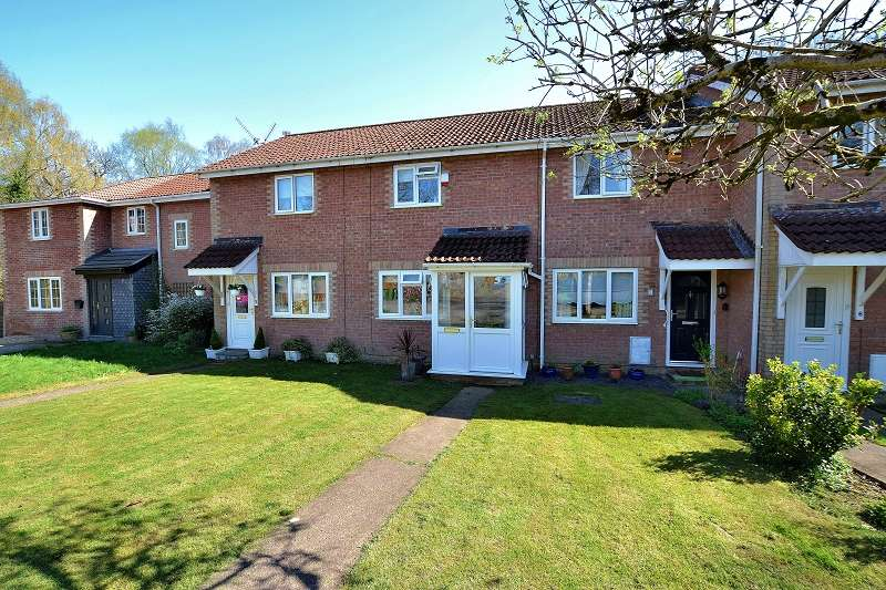 2 Bedrooms Terraced House for sale in 4 Mayhill Close, Thornhill, Cardiff. CF14 9DT