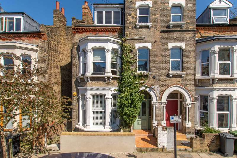 3 Bedrooms Flat for sale in Brailsford Road, Brixton, SW2