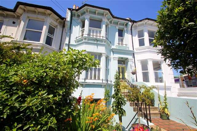 4 Bedrooms Terraced House for sale in Ditchling Rise, Brighton, BN1 4QR