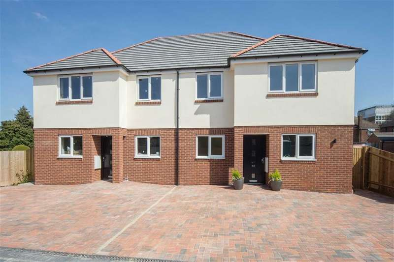 3 Bedrooms Semi Detached House for sale in Poets Mews, Luton, Bedfordshire, LU4