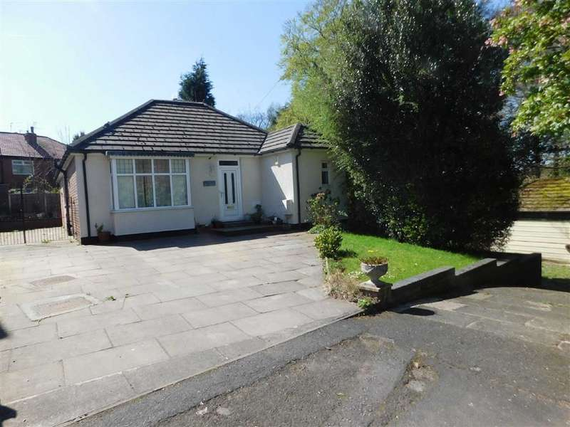2 Bedrooms Detached Bungalow for sale in The Drive, Bredbury, Stockport