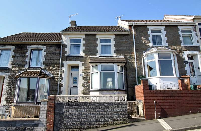 3 Bedrooms Terraced House for sale in Upper North Road, Bargoed, CF81