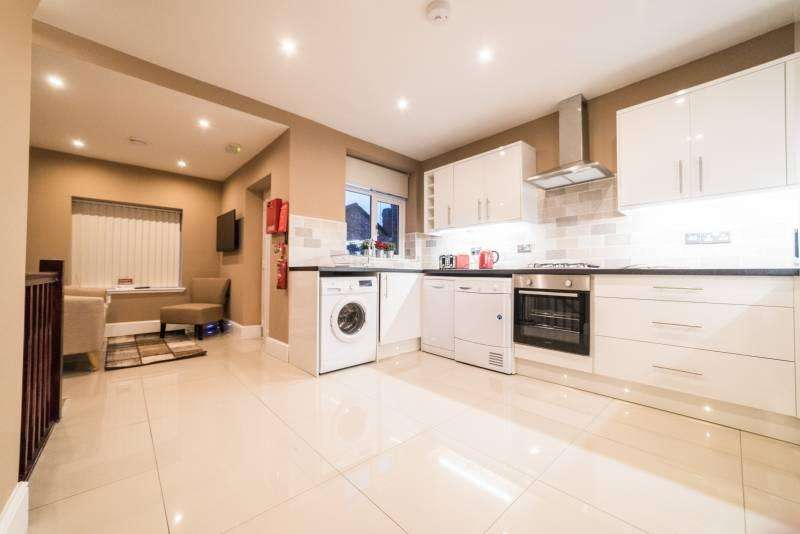 5 Bedrooms House for sale in Gradwell St, Stockport , Manchester SK3