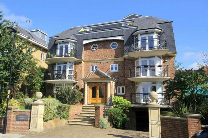 2 Bedrooms Apartment Flat for sale in Glenview Lodge, Crescent Road, EN2