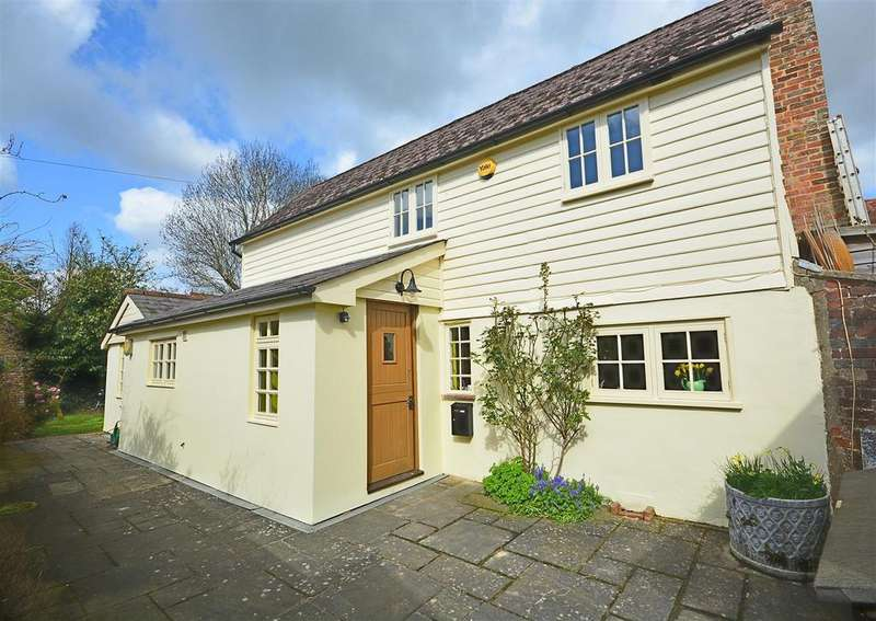 3 Bedrooms Detached House for sale in Church Street, Ticehurst, Wadhurst