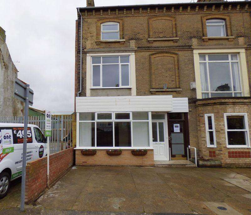 5 Bedrooms End Of Terrace House for sale in London Road South, Lowestoft